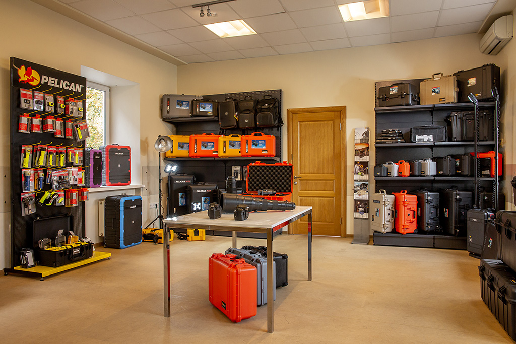 PELI Pelican showroom